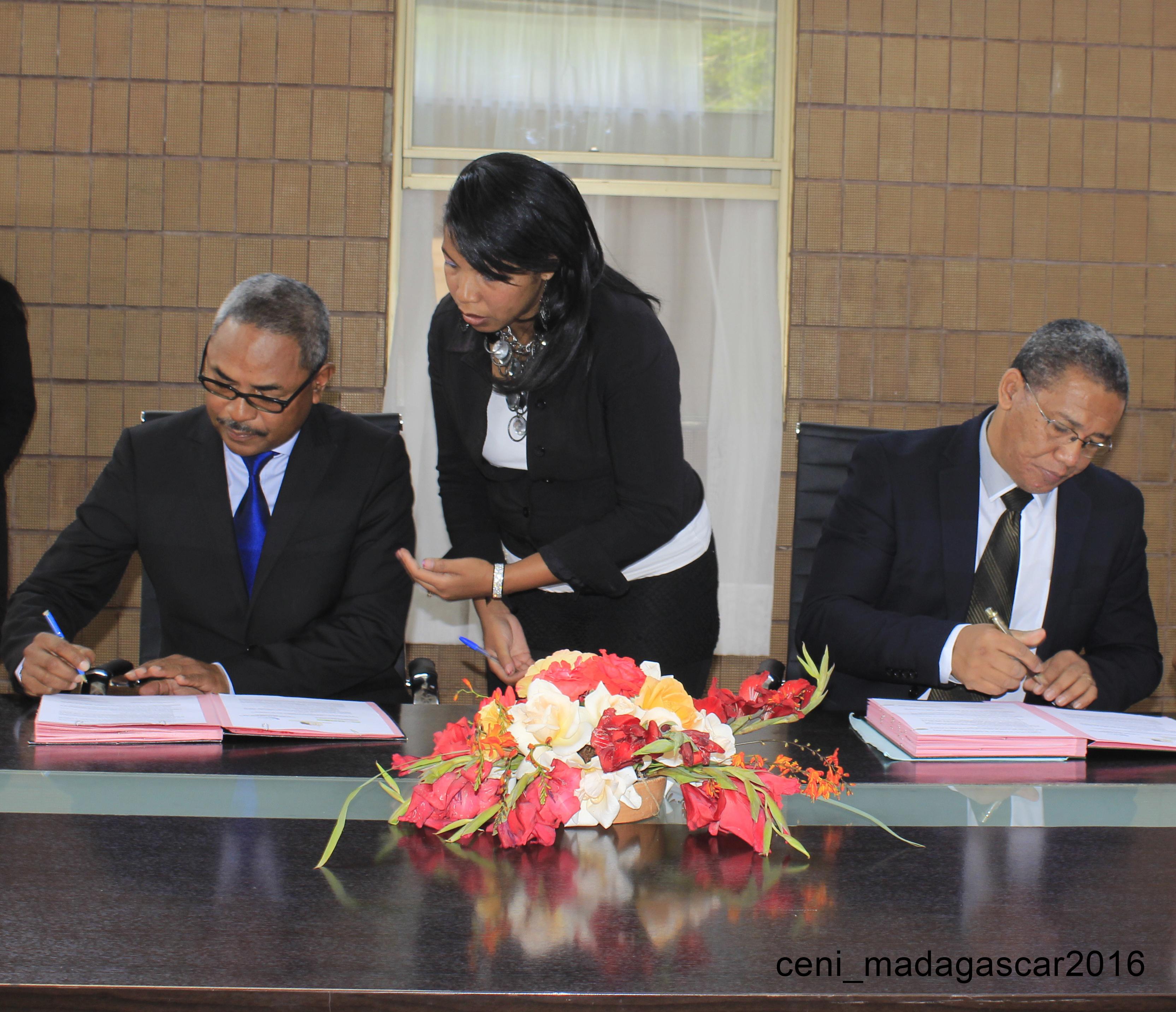 Protocole d'accord CENI-MCRI 03 mars 2016