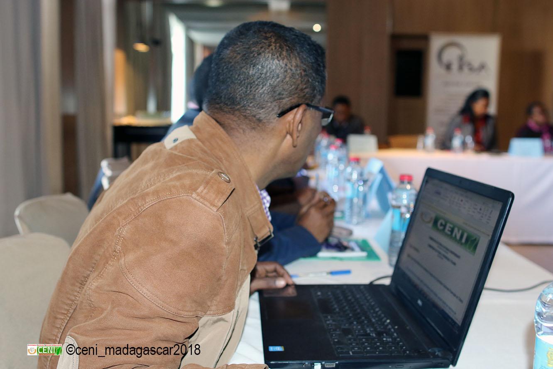 Atelier de validation du manuel de formation sur l'éducation civique et électorale