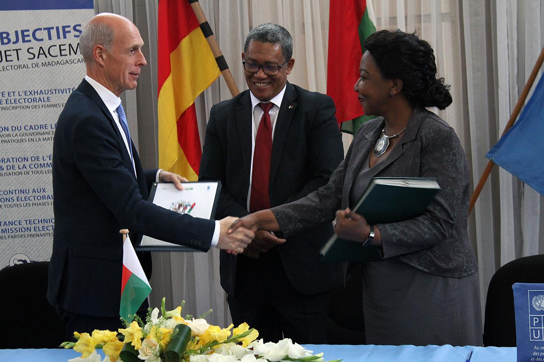 Signature de l'accord de financement entre la République Fédérale d'Allemagne et le Programme des Nations Unies