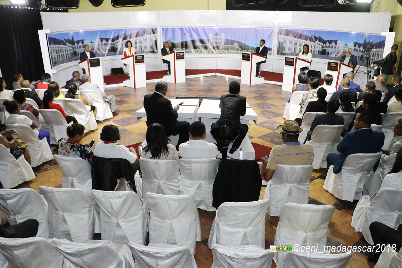 Débats des candidats à la présidentielle 2018 sur la RNM et TVM
