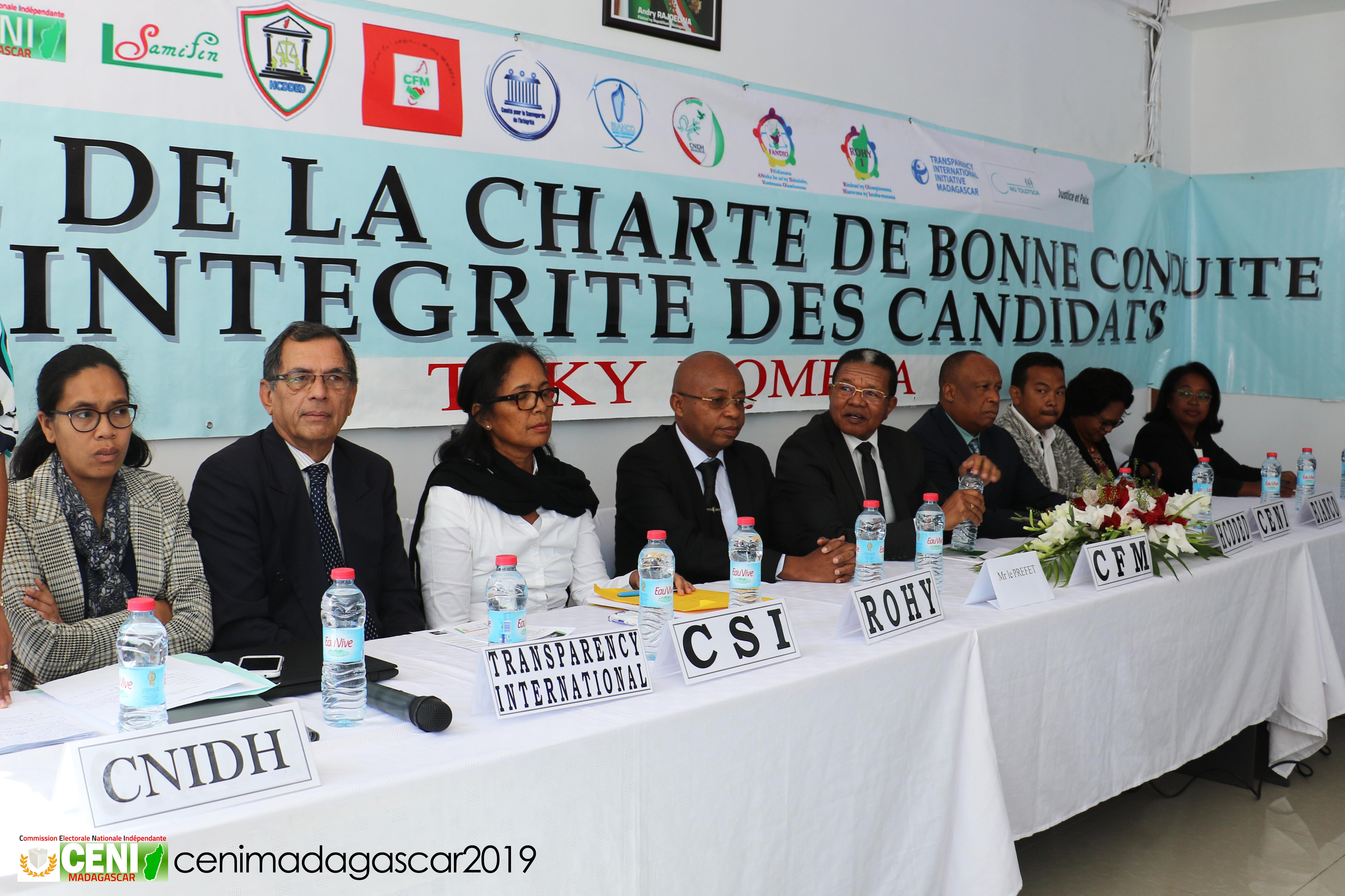 Signature de «Toky nomena», charte de bonne conduite des candidats aux élections législatives