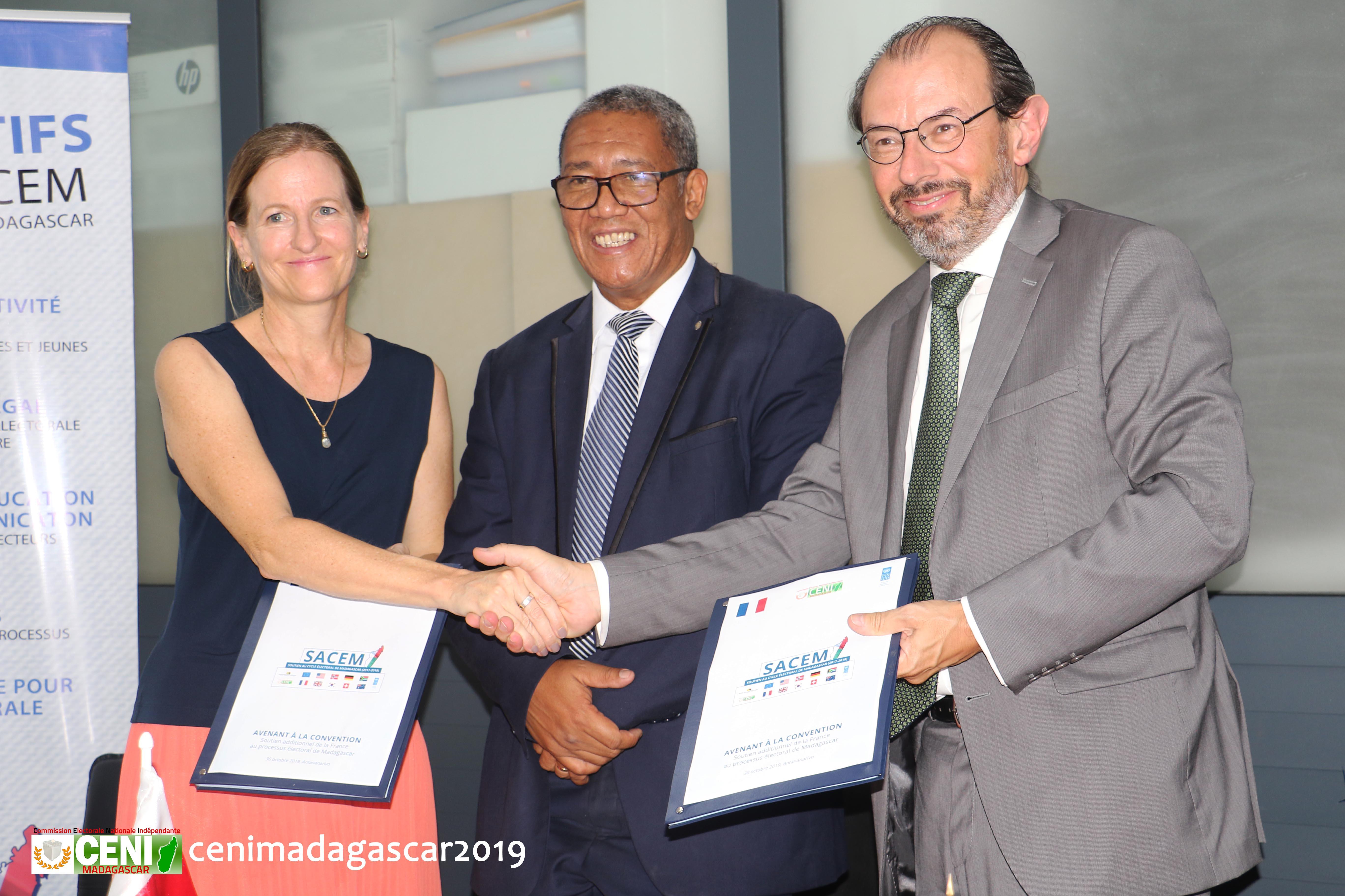 Troisième contribution de la France au projet d'appui au processus électoral à Madagascar