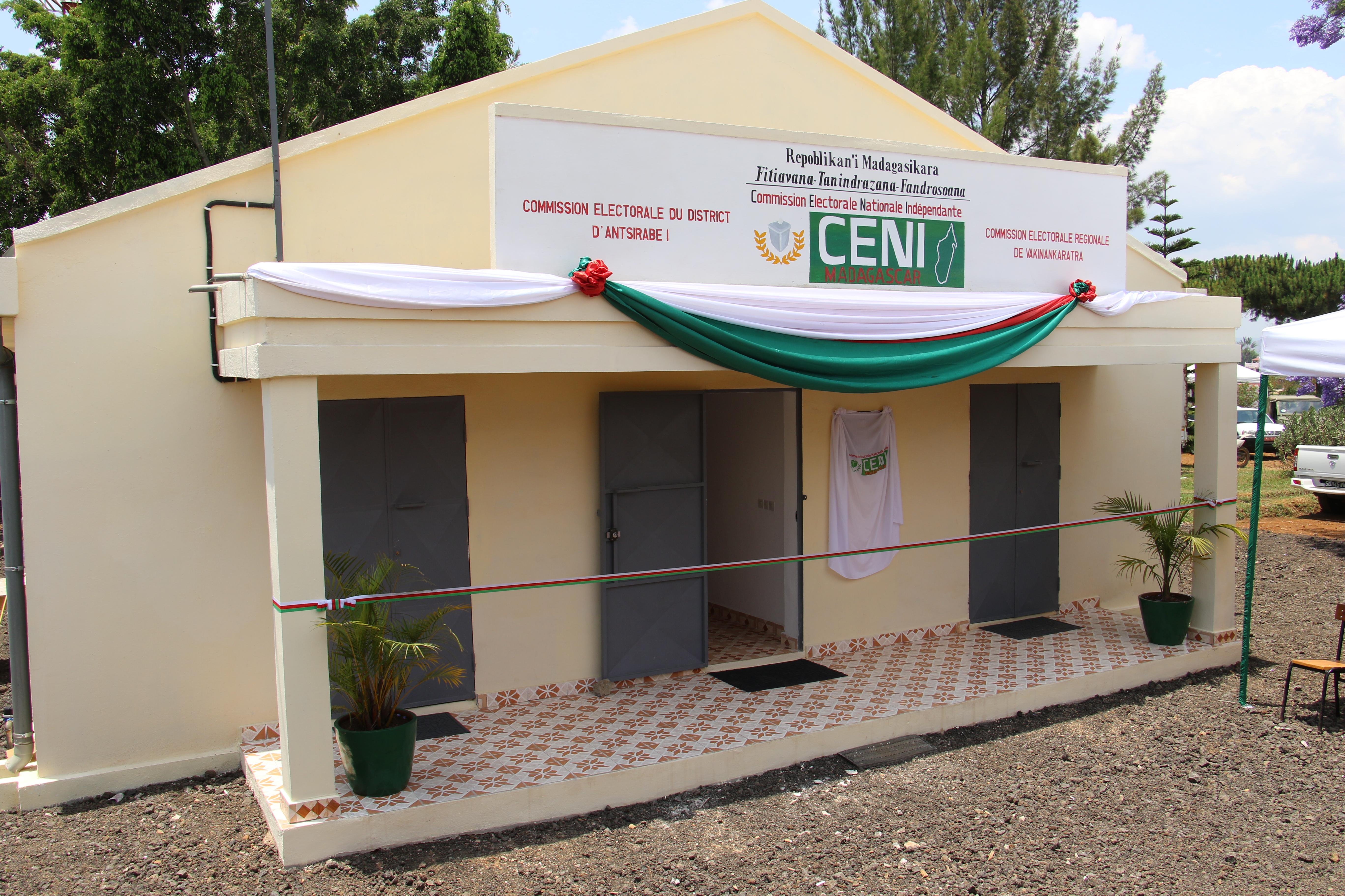 Inauguration du local de la CENI à Antsirabe